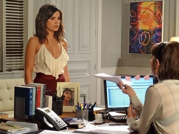 "Em ""Amor à Vida"", Aline descobre que César que trocar de secretária"