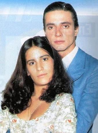 """Glória Pires e Fábio Jr. em cena da novela """"Cabocla"""" (1979)"""
