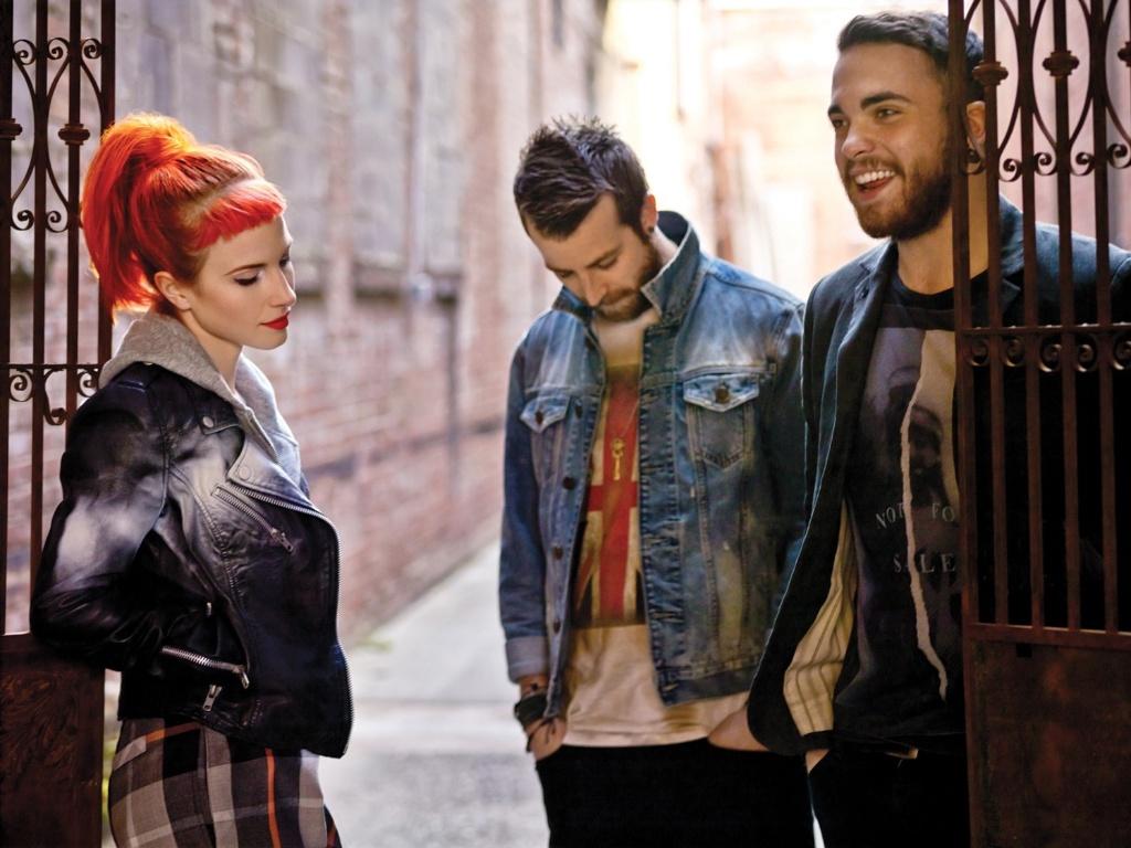 Hayley Williams, Justin Davis e Taylor York retornam ao Brasil com o Paramore