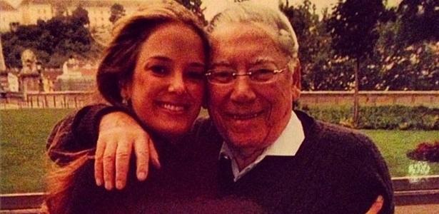 Ticiane Pinheiro publica foto ao lado de Jano Justus, pai de Roberto Justus, para lamentar sua morte