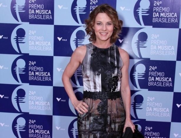 12.jun.2013 - A atriz Vera Zimmerman comparece ao 24º Prêmio da Música Brasileira, no Theatro Municipal do Rio de Janeiro