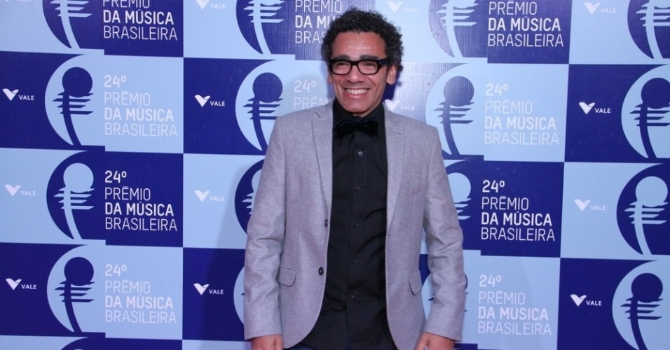 12.jun.2013 - Simoninha chega ao 24º Prêmio da Música Brasileira, no Theatro Municipal do Rio de Janeiro