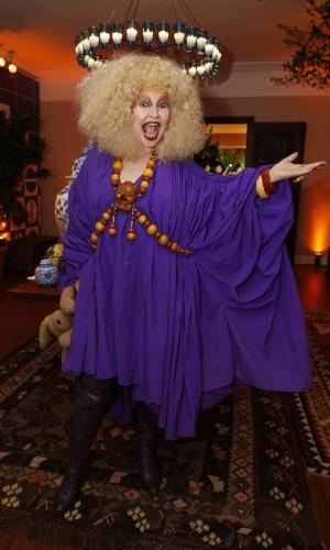 12.jun.2013 - Elke Maravilha chega à festa do Prêmio da Música Brasileira
