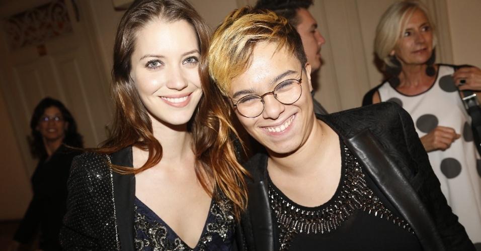 12.jun.2013 - Nathalia Dill e Maria Gadú à festa do Prêmio da Música Brasileira