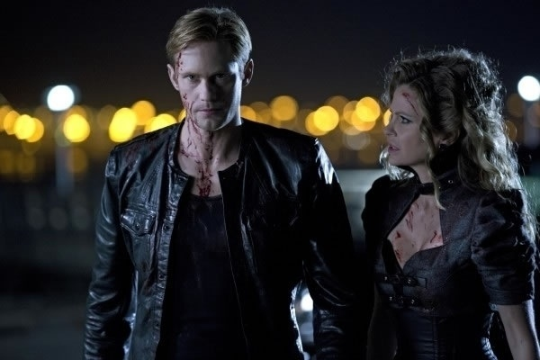 """2013 - Imagens da sexta temporada do seriado """"True Blood"""". A série estreia dia 16 de junho e tem no elenco os atores Alexander Skarsgård, o Eric Northman, Kristin Bauer van Straten como Pam Swynford de Beaufort"""