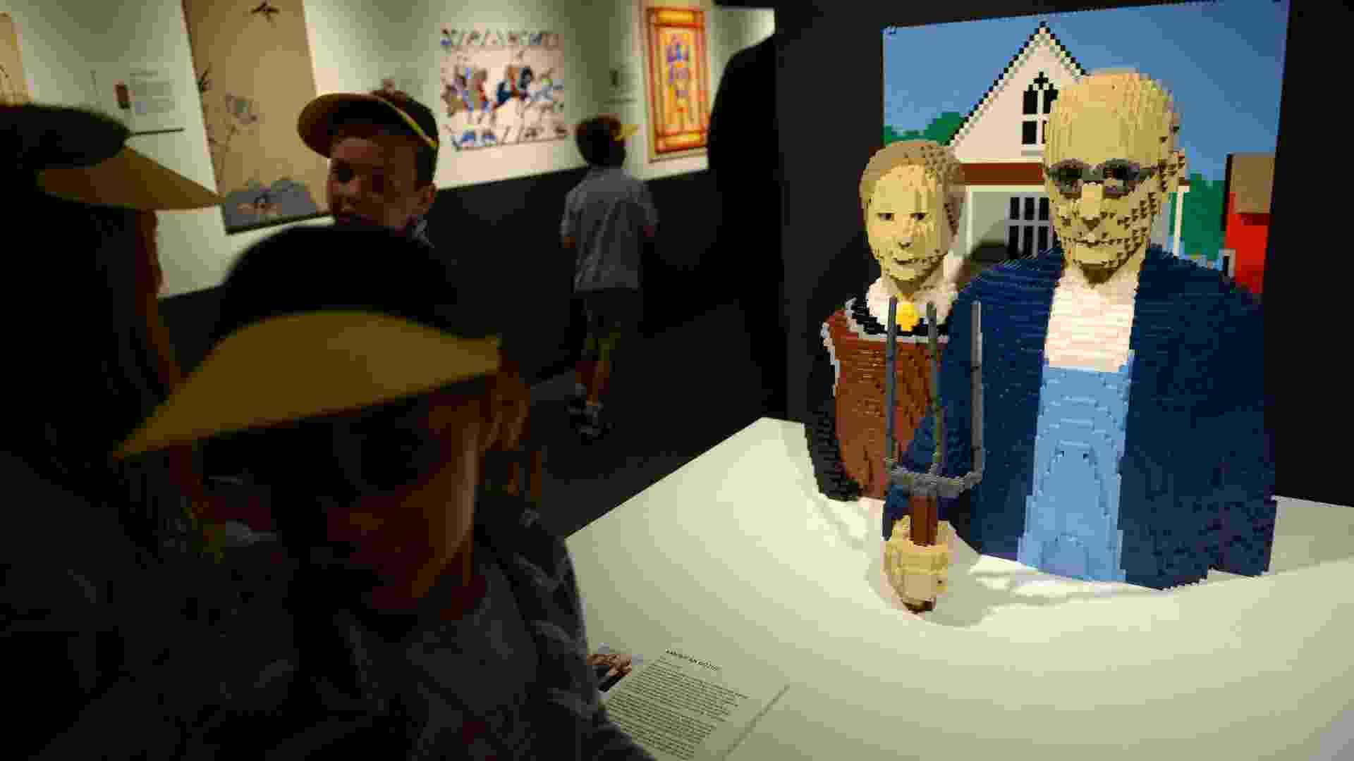 A mostra ?The Art of the Bricks?, de Nathan Sawaya, começa em Nova York no dia 14 de junho até janeiro de 2014. O artista plástico utiliza peças do tradicional brinquedo Lego para criar novas esculturas - AFP PHOTO/Emmanuel Dunand