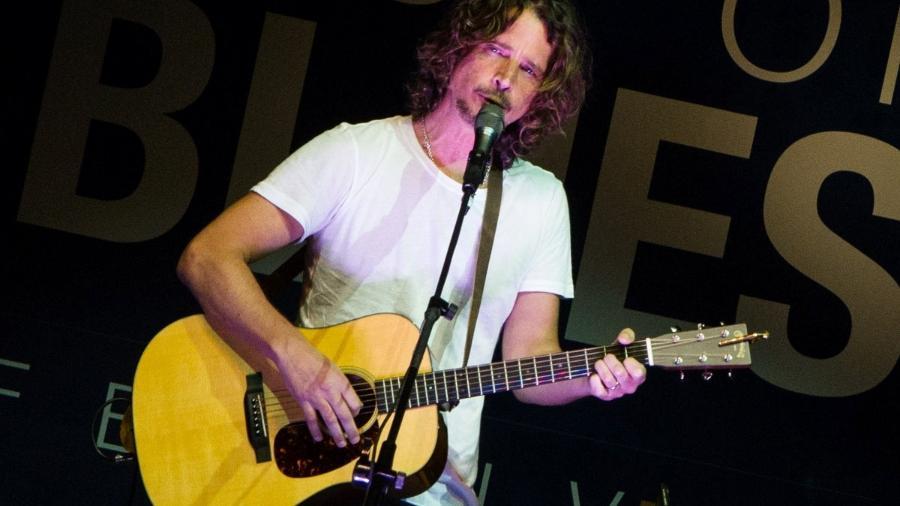 """13.jun.2013 - O roqueiro Chris Cornell se apresenta no """"Best of Blues Festival"""" no hotel WTC Golden Hall, em São Paulo - Foto Rio News"""