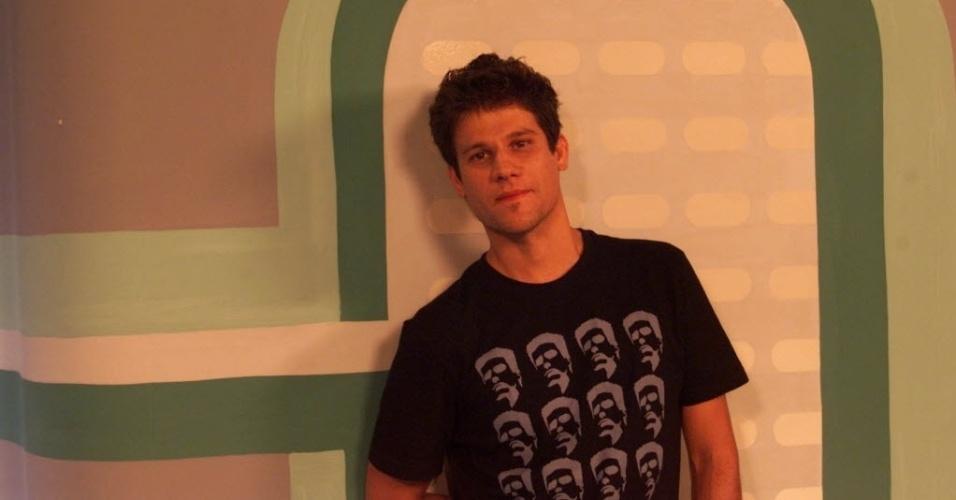 9.jan.2001 - O apresentador Edgar Piccoli ficou na MTV por mais de nove anos