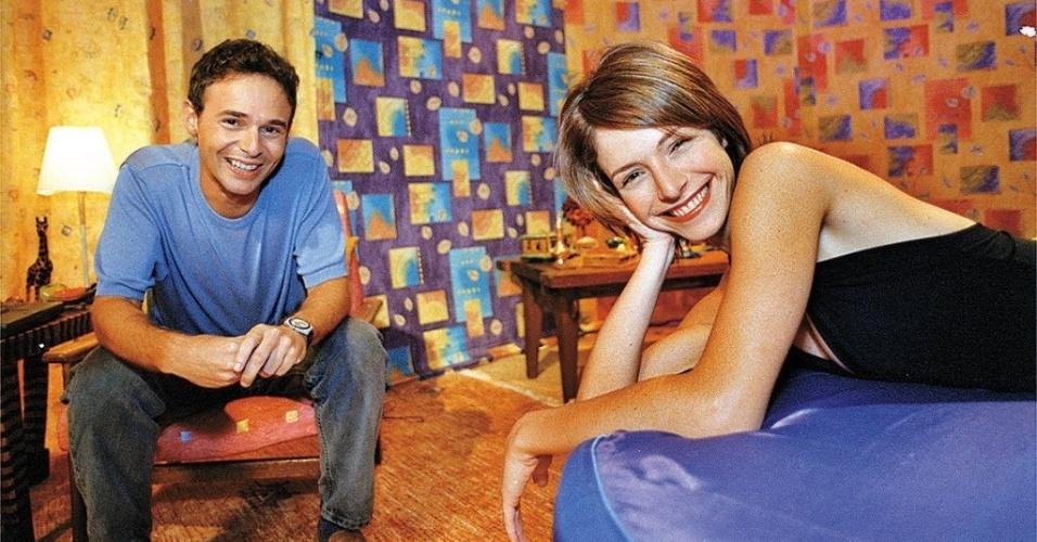 """Babi Xavier apresentou o """"MTV Erótica"""" em 1999. Em 2012, participou do reality show """"A Fazenda"""", da Record. Ao lado dela o médico Jairo Bouer"""