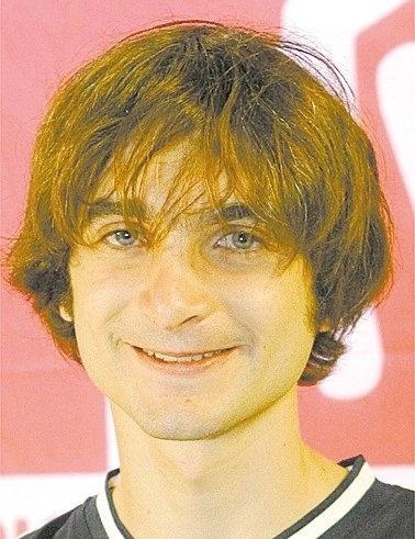 """Rafael Vinícius Losso apresentou o """"Jornal da MTV"""", """"Banda Antes"""", """"Cliperama"""", """"Control Freak"""" e """"Tribunal de Pequenas Causas Musicais"""" e depois assumiu a direção do portal"""