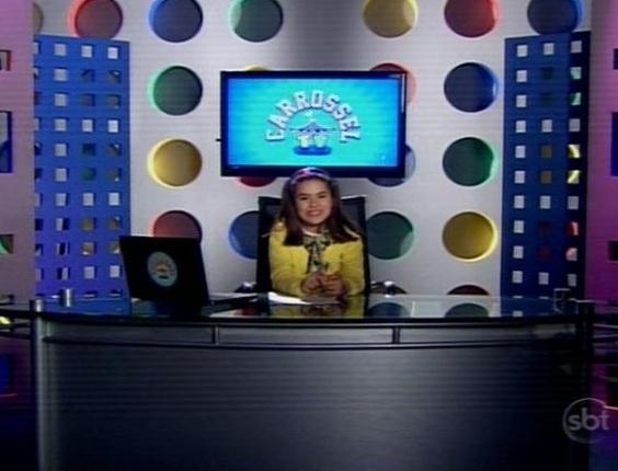 "17.jun.2013 - A apresentadora mirim Maísa aparece na bancada da ""TV Carrossel"" que estreou nesta segunda no SBT"