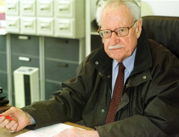 O crítico francês Maurice Nadeau, em foto de 2001 - Alain Azambuja/Folhapress