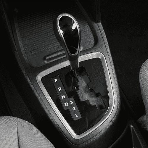 Câmbio automático Tiptronic, com conversor de torque - Murilo Góes/UOL
