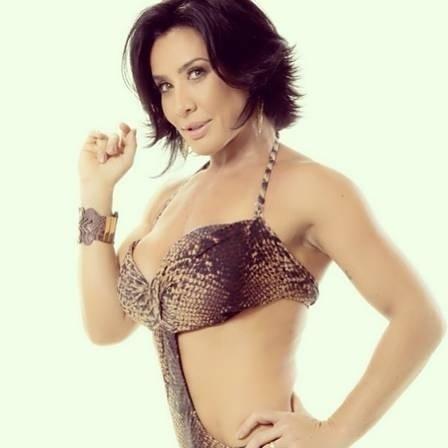 24.maio.2013 - Scheila Carvalho ficou famosa como dançarina do grupo