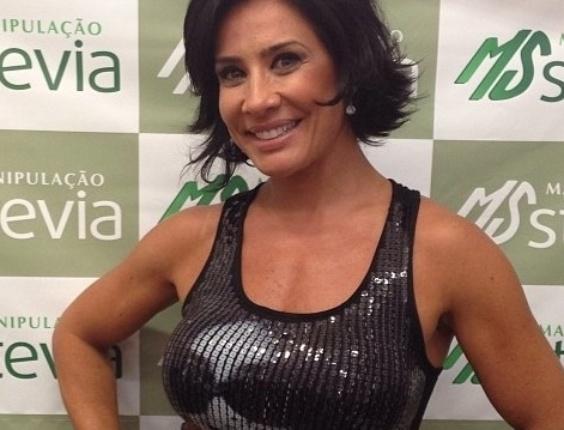 8.mar.2013 - A apresentadora esbanjou beleza durante Congresso de Medicina Estética e Dermatologia, em São Paulo