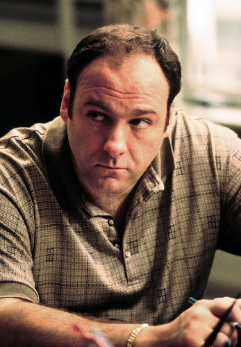 """James Gandolfini na pele do mafioso Tony Soprano na série de TV """"Família Soprano"""""""