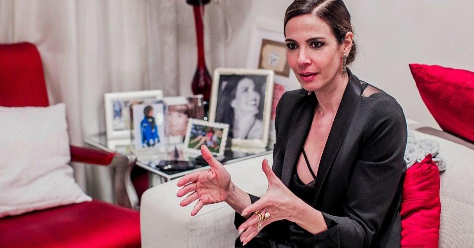 18.jun.2013 - Luciana Gimenez durante entrevista ao UOL, em São Paulo
