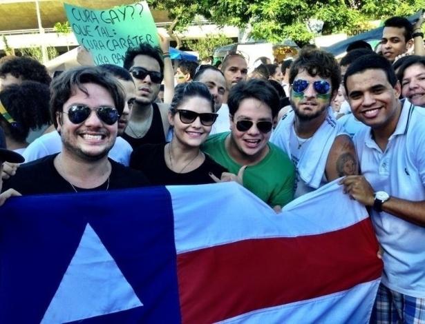 20. jun.2013 - O cantor Tomate participa de manifestação em Salvador