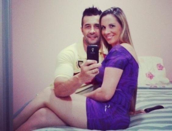 6.abr.2013 - O ator é casado com a atriz e modelo Faby Monarca