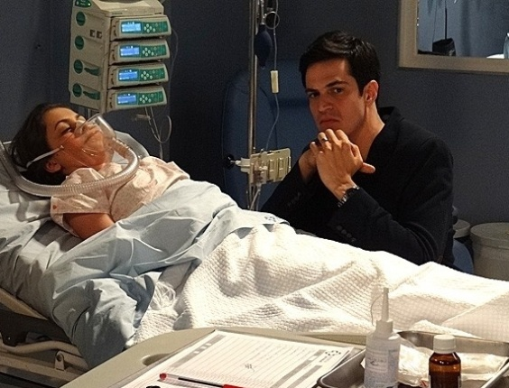 "Em ""Amor à Vida"", Félix tenta matar Paulinha no hospital"
