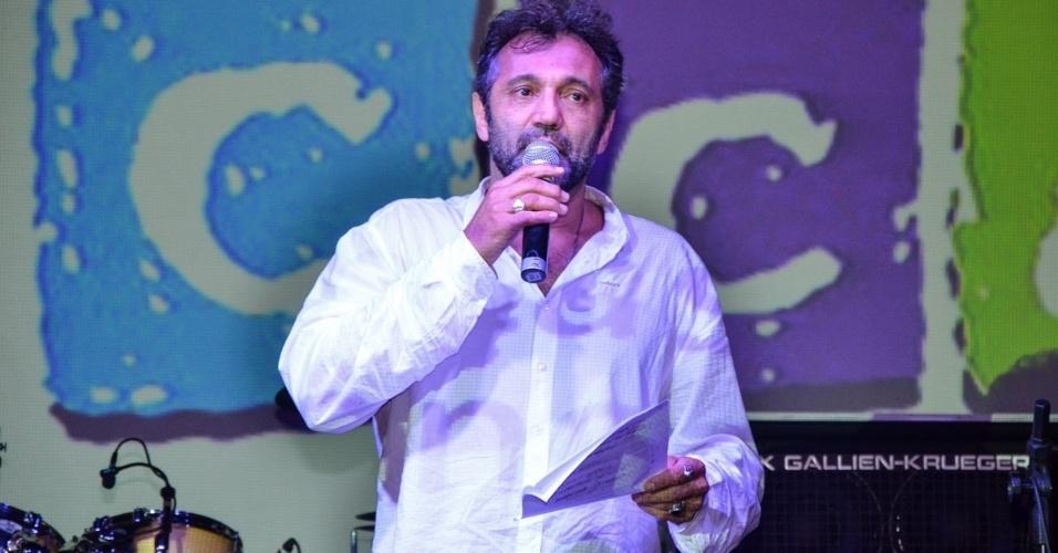 21.jun.2013 - O ator Domingos Montagner participa do jantar de 15 anos do TUCCA, que teve Tiaggo Abravane como atração musical