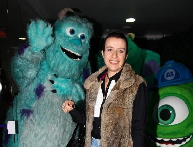 24.jun.2013 - Ana Claudia Duarte, mulher de Celso Zucatelli, prestigia o aniversário de Pietro, filho de Otávio Mesquita
