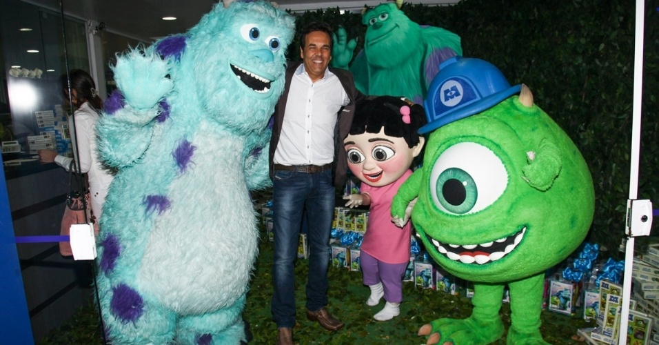 24.jun.2013 - Marco Camargo prestigia o aniversário de Pietro, filho de Otávio Mesquita