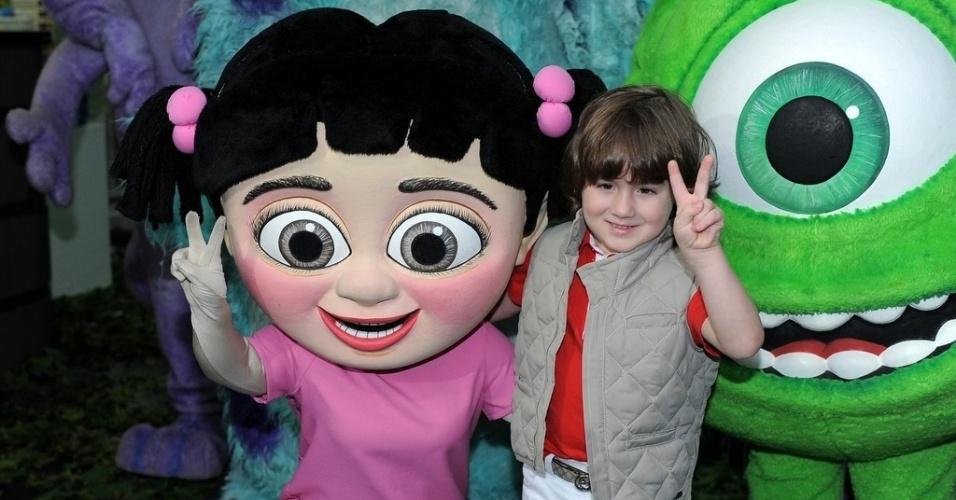 24.jun.2013 - Pietro, filho de Otávio Mesquita, comemora seus quatro anos em casa de festas em São Paulo