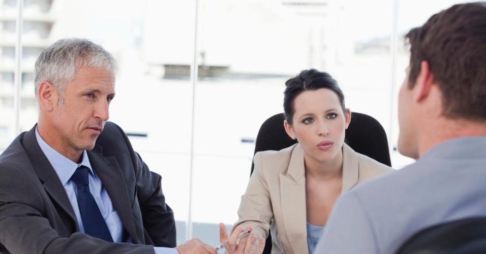entrevista de emprego; trabalho; empresa