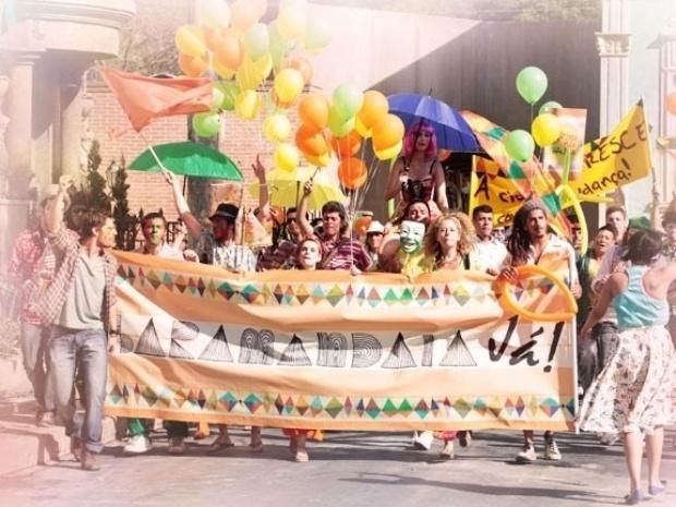 """""""Saramandaia"""" começa com manifestação"""