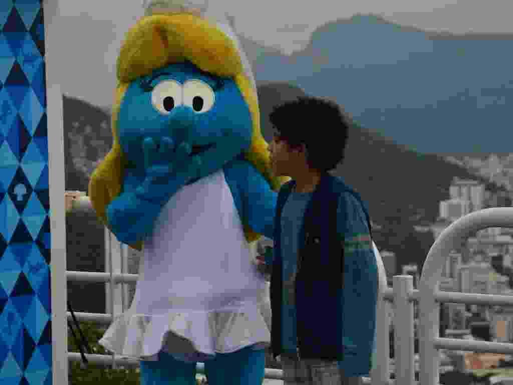 25.jun.2013 - Crianças e fãs se reúnem no Morro da Urca, no Rio de Janeiro, para ver os personagens no Dia Mundial dos Smurfs - Graça Paes e William Oda / Foto Rio News