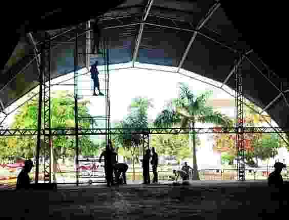 25.jun.2013 - Equipe faz preparativos para Flip 2013, que acontece entre os dias 3 e 7 de julho, em Paraty (RJ). O evento homenageará Graciliano Ramos - Reprodução/Instagram/flip_se