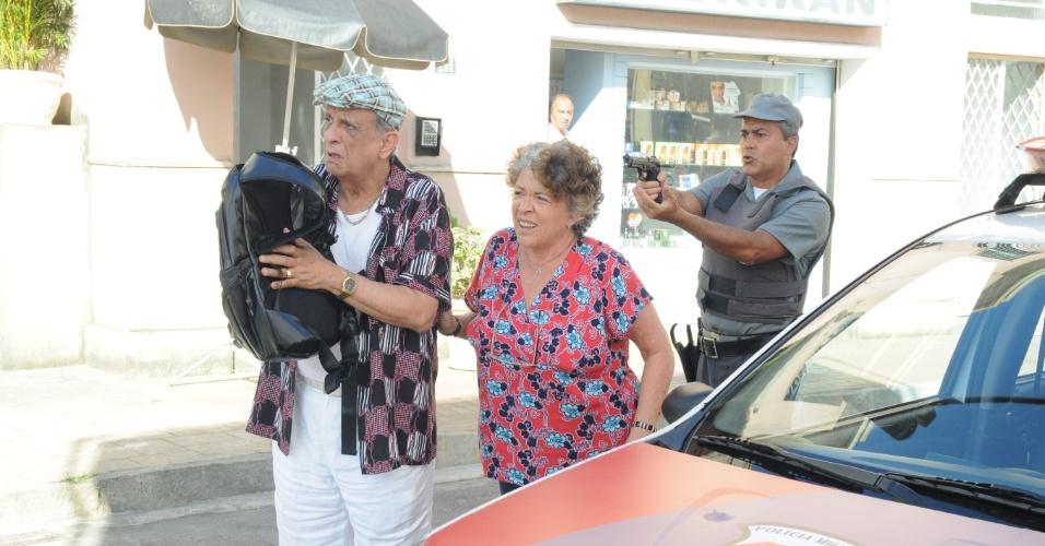 """Em """"Dona Xepa"""", a feirante culpa Fuinha por violencia contra Edison"""