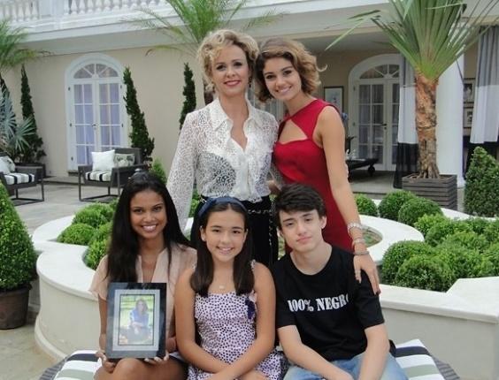 """Em """"Sangue Bom"""", Bárbara Ellen é mãe de Amora, Kevin, Luz e Doróthy"""