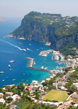 Vista geral da ilha de Capri, na Itália - Thinkstock