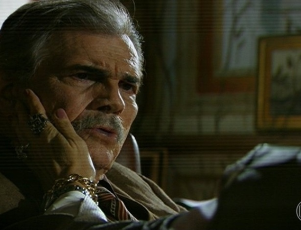 24.jun.2013 - Vitória visita o pai Tibério (Tarcísio Meira) e o encontra enraizado