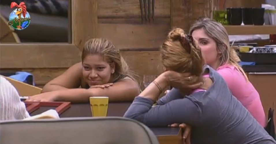 26.jun.2013 - Bárbara Evans e Mulher Filé querem a primeira festa em