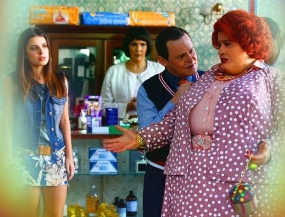 """Em """"Saramandaia"""", Dona Redonda se preocupa ao saber que perdeu 200 gramas"""