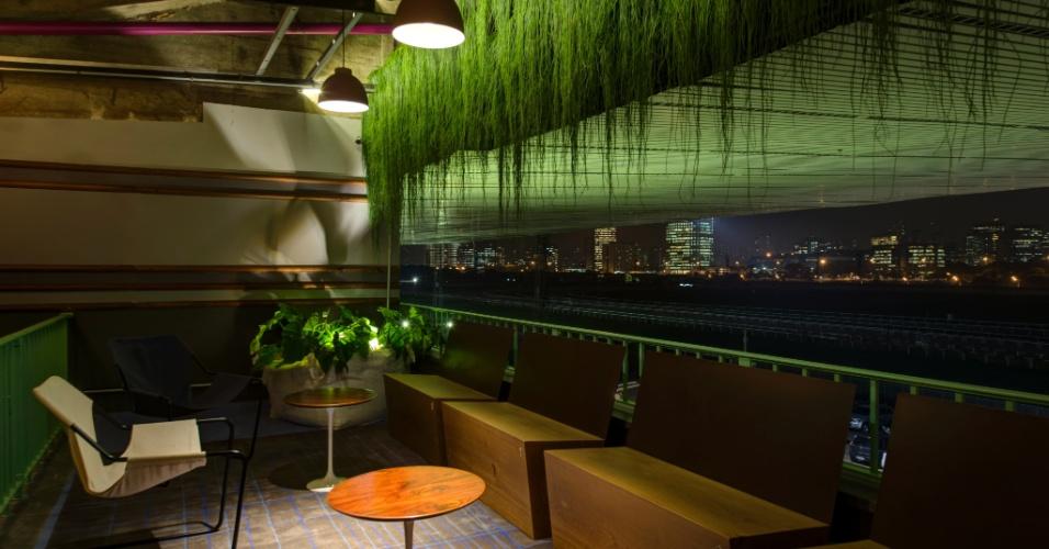 Na varanda do Lounge Gourmet, de Gustavo Calazans, o verde