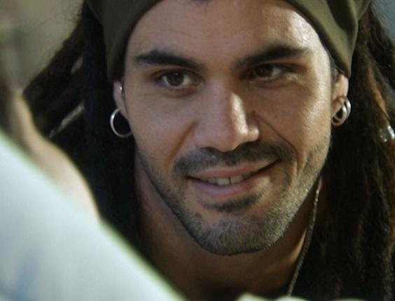 """Em """"Amor à Vida"""", Ninho conhece Paulinha"""