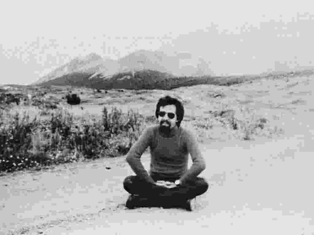 O escritor Paulo Coelho em sua época de hippie - Reprodução