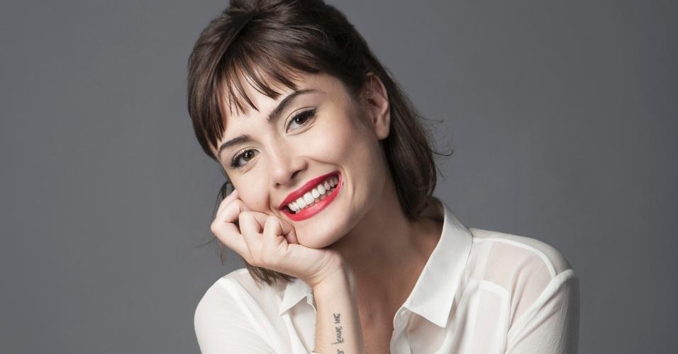 Nascida em São Paulo, Maria Casadevall começou a fazer comerciais para a TV aos 15 anos