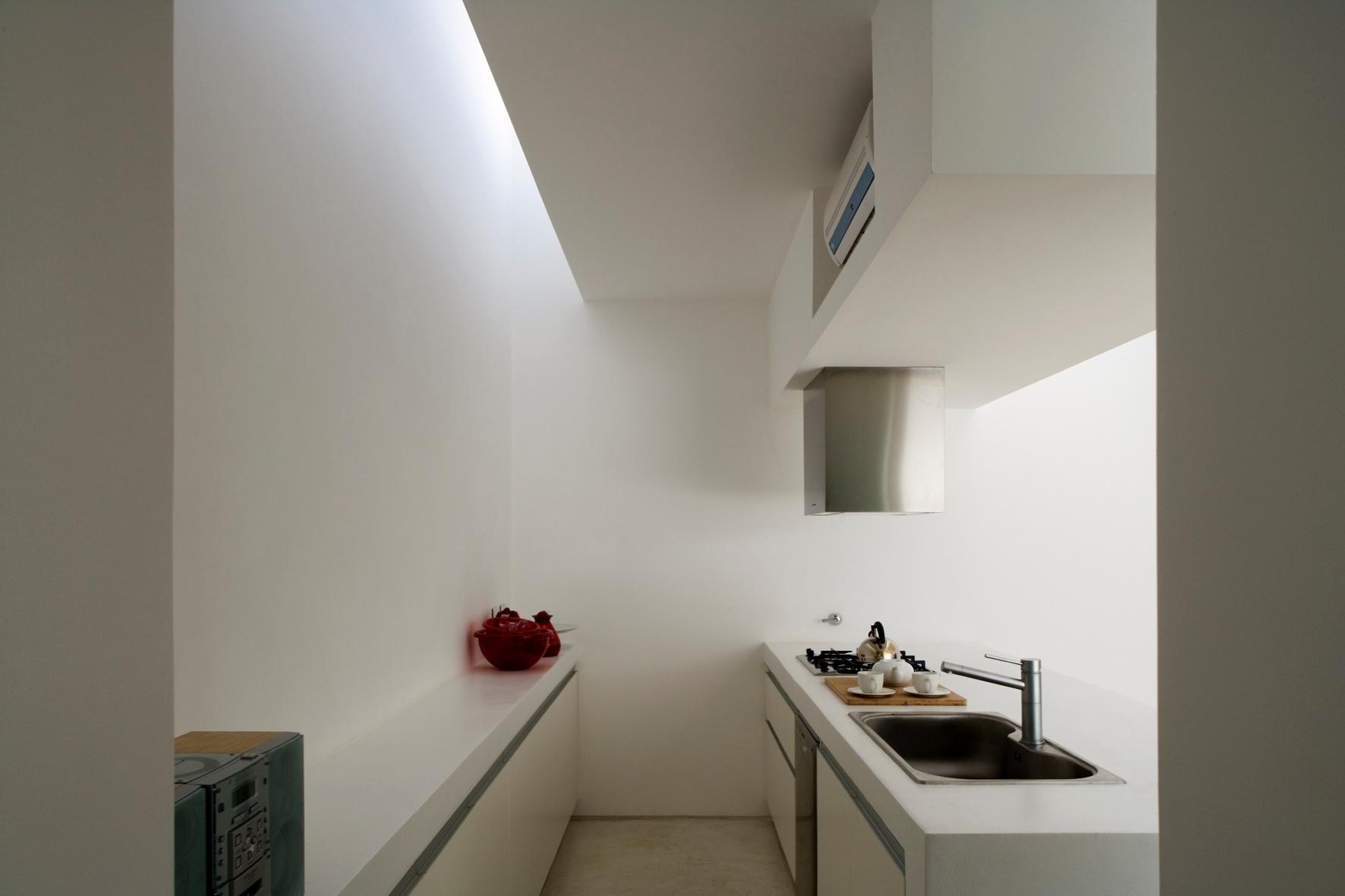 Os arquitetos Juan Germán Guardati, Román Renzi e Virginia Kahanoff gostam de dizer que o elemento predominante na Casa Caja - ou Patio - é