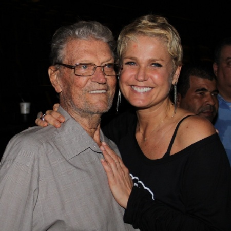 Xuxa com o pai Floriano em 2013 - Marcello Sá Barretto/AgNews
