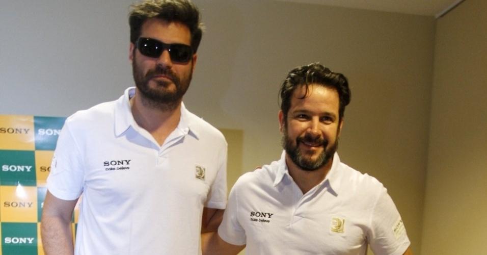 30.jun.2013 - Thiago Lacerda e Murilo Benício posam para fotos antes da final da Copa das Confederações