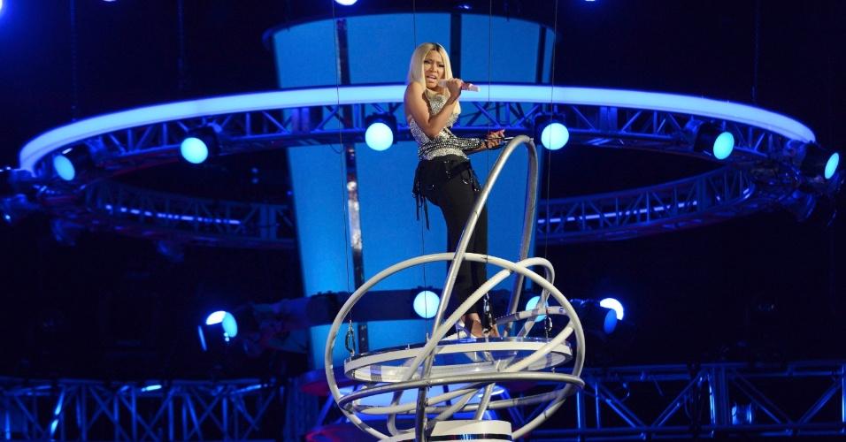 30.jun.2013 - Com o cabelo loiro e liso, Nicki Minaj participou do BET Awards, que premia personalidades negras, em Los Angeles