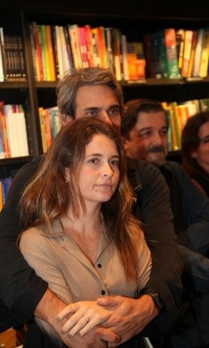 Claudia Abreu estava acompanhada do marido, José Henrique Fonseca