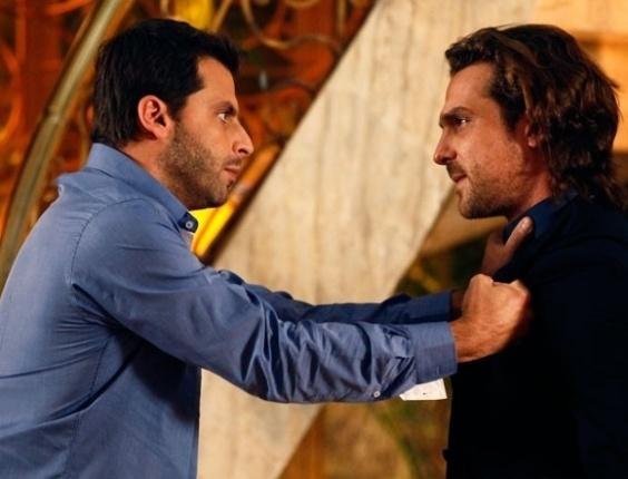"""Em """"Flor do Caribe"""", Cassiano enfrenta Alberto e tira Samuca da mansão"""