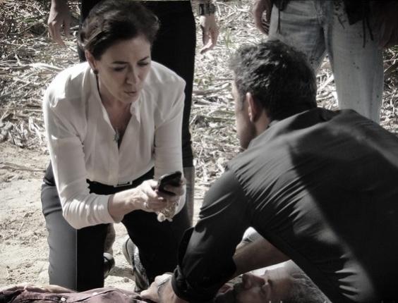 """Em """"Saramandaia"""", Zico Rosado escapa da morte por causa de celular"""