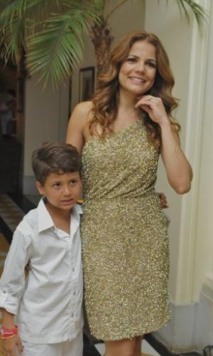 O filho Miguel, do casamento com Mário Frias, é o seu maior companheiro